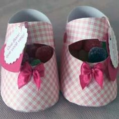 Paper Baby Shoe Favors with template