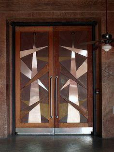Travelling in style: A selection of american Art Deco elevator doors. Cool Doors, Unique Doors, Art Deco Door, Art Deco Buildings, Knobs And Knockers, Inspiration Art, Windows And Doors, Front Doors, Closed Doors