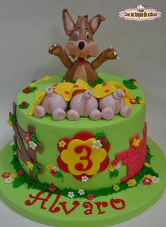 Three little pigs cake!! - Three little pigs cake!!