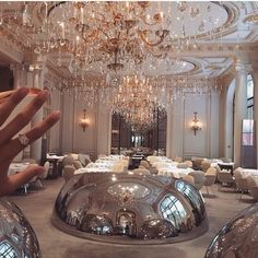 Dinner in luxury hotel? Dinner in luxury hotel? Rich Lifestyle, Luxury Lifestyle, Lifestyle Shop, Millionaire Lifestyle, Vanessa Moe, Pinterest Instagram, Pinterest Pinterest, Expensive Taste, Luxe Life
