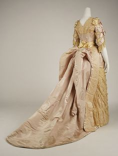Evening dress House of Worth  (French, 1858–1956) Designer: Jean-Philippe Worth (French, 1856–1926) Date: 1887–89 Culture: French