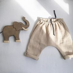 perfect • for • safari  #perfectforsafari#baggypants#sand#musselin#softandcosy#forwarmdays#simpleandpure#babyandkidswear#wearitloveit