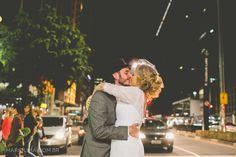 Beijo dos noivos em plena Avenida Paulista!