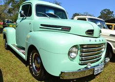 XIV National Meeting Pick-ups, Vintage Cars and Trucks - Coverage 1