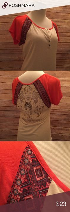 BNWT Beautiful Crochet Back top! Size small, short-sleeve, gorgeous top from Buckle. BNWT!! Back of top is cream-color crochet. Colors are vivid & bright! Any questions, please ask. No Trades. Buckle Tops