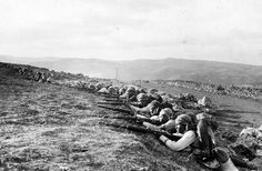Infantry lines North of Jerusalem, near Nebi Samuel, 1917. The Battle of Jerusalem ended up with British forces taking control of Jerusalem from the Ottoman Empire