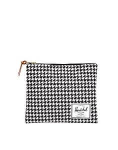Herschel Clutch Bag in Houndstooth
