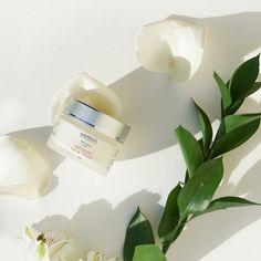 100% natural Rose Geranium Oil, Neroli Oil, Chamomile Oil, Rosehip Seed Oil, Vitis Vinifera, Cleanser And Toner, Anti Aging Facial, Shea Butter, Skincare