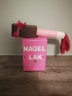 Surprise nagellak 💅 Reborn Dolls, Reborn Babies, Baby Dolls, Homemade Christmas Crafts, Newspaper Basket, Heart Day, Cardboard Art, Paper Clay, Air Dry Clay