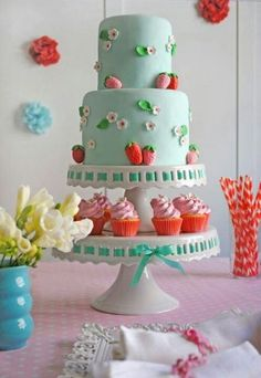 This is super cute for a little girls first birthday.
