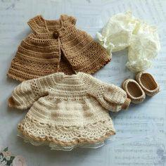 Crochet Crafts, Crochet Dolls, Crochet Projects, Knit Crochet, Knitting Dolls Clothes, Crochet Baby Clothes, Pretty Dolls, Amigurumi Doll, Crochet For Kids