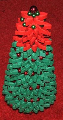 Christmas Tree - by: Inez Quilling Art