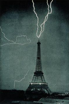 Caída de un rayo en la Torre Eiffel, 03 de junio 1902