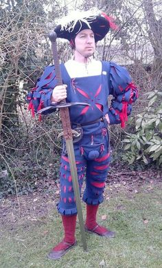 Very simply-done Landsknecht wams and hosen Elizabethan Clothing, Renaissance Clothing, Historical Costume, Historical Clothing, Luther, Irish Images, Mens Garb, German Costume, German Outfit