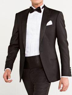 3194030be3 13 Indispensables piezas de vestir que todo hombre debe tener y en las que  vale la pena invertir