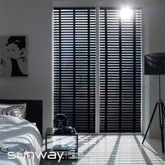 SUNWAY Horizontale jaloezieën met een breedte van 50 mm en 70 mm hebben een robuuste uitstraling en passen daardoor erg mooi bij grotere ramen.