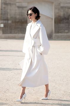 14 Images of Street Style Inspiration :: This is Glamorous.  Her whole look is incredible.  Very chic.