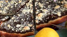 Tradiční kynutý koláč z Valašska je velký jako pizza a nesmí na něm chybět křupavá drobenka. Pizza, Sweets, Baking, Food, Gummi Candy, Candy, Bakken, Essen, Goodies