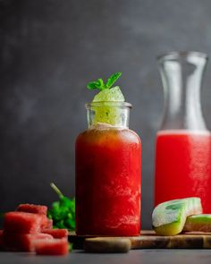 Watermelon and mint drink Hot Sauce Bottles, I Foods, Watermelon, Food Photography, Mint, Drinks, Drinking, Beverages, Drink