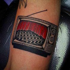 Super topical Twin Peaks tv tattoo by José Carrasquillo (via IG -- tattoosnob) #JoseCarrasquillo #twinpeaks #tv #tvtattoo #television #televisiontattoo