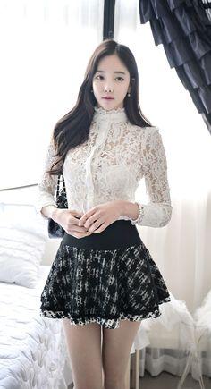 Healthy living at home sacramento california jobs opportunities Fashion Models, Girl Fashion, Fashion Outfits, Fashion Design, Vestidos Polo, Korean Fashion Work, Living At Home, Korean Model, Japan Fashion