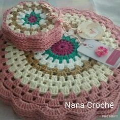 Crochet Diagonal Granny Square by Divonsir Borges WIP Sunday - What's on Your Hook? Week 2 Entry African Flower with 8 Petals (Square) by Nicole Hancock Free Pattern - Salvabrani Just Be Crafts: Learn To Crochet Square African Flower Work in progress, Ana Crochet Home, Love Crochet, Diy Crochet, Crochet Crafts, Crochet Projects, Crochet Placemats, Crochet Potholders, Crochet Squares, Crochet Granny