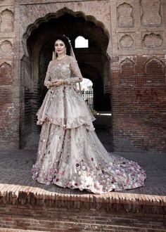 Bridal Mehndi Dresses, Walima Dress, Asian Bridal Dresses, Bridal Dress Design, Wedding Dresses For Girls, Bridal Outfits, Pakistani Bridal Lehenga, Asian Wedding Dress Pakistani, Pakistani Formal Dresses