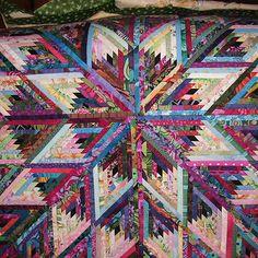 Diamond Log Cabin. By Dzirin.  Would make a lovely tree-skirt!