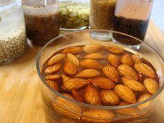 Il est préférable de tremper ses graines (lin, tournesol, sésame…) et ses oléagineux (amandes, noix de Grenoble, noisettes…) avant de les consommer pour les « réveiller » comme cela se passe dans la nature. Lorsque les graines sont arrosées par la pluie du printemps, elles se réveillent et commencent à germer. A ce moment, la valeur nutritionnelle …