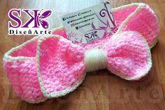 Cintillo lazo para niña hecho a mano a #crochet lindos colores #rosado y #beige. Disponible para entrega inmediata.