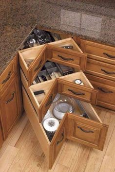 Organization and Storage Hacks for Small Kitchens --> DIY kitchen corner drawers Most Popular Kitchen Design Ideas on 2018 & How to Remodeling Kitchen Ikea, Kitchen Drawers, Kitchen Decor, Kitchen Hacks, Space Kitchen, Kitchen Trends, Kitchen Furniture, Kitchen Island, Kitchen Pantries