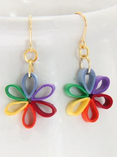 quilled earrings - needs something in the middle