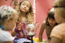 CrystalBallKids.jpg - Image by Jupiter Images/Photolibrary/Getty Images