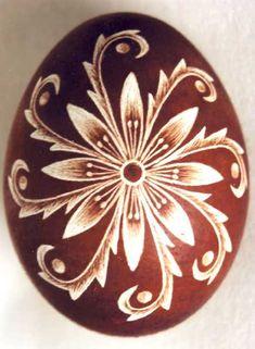 Karcolt tojás - Scratch-carved egg (53)