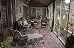 http://filmnorthflorida.com/photos/Woodfin+House/01-05-11-225+chipley+ave-screened+porch.jpg