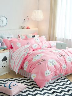 To find out about the Cloud Print Contrast Striped Bedding Set at SHEIN, part of our latest Bedding Sets ready to shop online today! Kids Bedding Sets, Kids Bedroom Sets, Teen Bedding, Room Design Bedroom, Girl Bedroom Designs, Room Ideas Bedroom, Girls Bedroom, Bedroom Decor, Bedding Shop