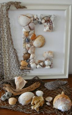 Seashell Monogram: definitely collecting some sea shells on our vacation! Would love a beach theme in the boys bathroom!DIY Seashell Monogram: definitely collecting some sea shells on our vacation! Would love a beach theme in the boys bathroom! Beach Crafts, Diy Home Crafts, Decor Crafts, Summer Crafts, Fall Crafts, Craft Ideas For The Home, Beach Themed Crafts, Bedroom Crafts, Easter Crafts