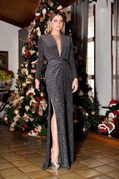 Long dress with slit: 80 models loaded with personality - Long dress with slit: 80 models loaded with personality - Gala Dresses, Event Dresses, Dress Outfits, Fashion Dresses, Dress Up, Formal Dresses, Beautiful Dresses, Nice Dresses, Looks Party