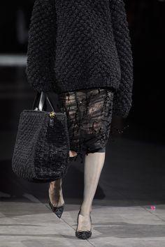 Dolce & Gabbana Fall 2020 Ready-to-Wear Fashion Show - Vogue Knit Fashion, Sweater Fashion, I Love Fashion, Fashion Week, Fashion 2020, Passion For Fashion, High Fashion, Fashion Show, Fashion Looks