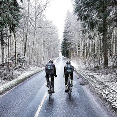 Winter training in Denmark ⛄️. Despite the obvious cold, this still looks like a fun day out -->