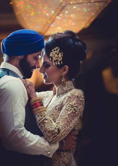 whenallelsefailsactcute: I can't get over what she's wearing - Bollywood Bride - Wedding Sikh Bride, Sikh Wedding, Punjabi Wedding, Wedding Poses, Wedding Photoshoot, Wedding Couples, Wedding Ideas, Wedding Outfits, Photoshoot Ideas