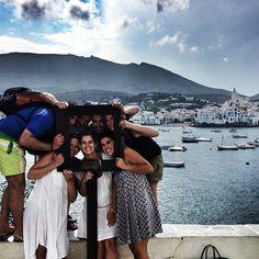 Un grupo de amigos en Cadaqués. Foto de @kbpineda