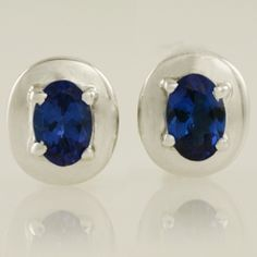 Beautiful deep blue/purple oval Tanzanites make up these very pretty stud earrings in White Gold Rare Gemstones, Loose Gemstones, Natural Gemstones, Tanzanite Earrings, Stud Earrings, Designer Earrings, Deep Blue, Gemstone Jewelry, Jewelry Design