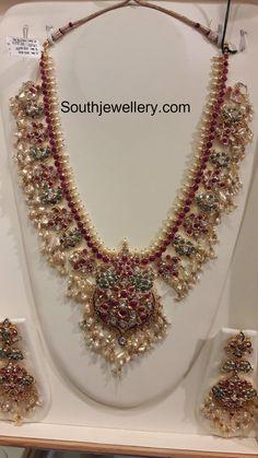 Guttapusalu Haram and Jhumkas - Indian Jewellery Designs Bridal Jewelry Vintage, Indian Wedding Jewelry, Indian Jewelry, Indian Necklace, Indian Jewellery Design, Jewelry Design, Antic Jewellery, Saree Jewellery, Bead Jewellery