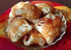 Mustáros virslis táska, leveles tésztából recept foto Cauliflower, Shrimp, Meat, Vegetables, Food, Cauliflowers, Meal, Eten, Vegetable Recipes