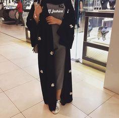 Beautiful in Black Hijab Style Dress, Modest Fashion Hijab, Modern Hijab Fashion, Muslim Women Fashion, Arab Fashion, Hijab Outfit, Modest Outfits, Hijab Chic, Fashion Outfits