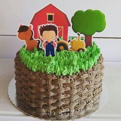 Bolo fazendinha de glacê Farm Animal Cakes, Farm Animals, Birthday Boy Shirts, Boy Birthday, Tutti Fruity Party, Nicolas Party, Farm Animal Birthday, Farm Cake, Baby Party