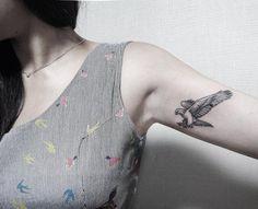 tatuaje pequeño de agila