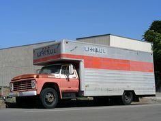 "The U-Haul F600: ""The Ford F600 was the backbone of the U-Haul fleet for about 20 years. Now they're all retired but this example is pretty well preserved. Seen in Cayucos, CA."" (So Cal Metro, Flickr)"