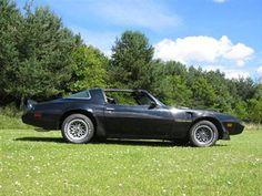 Super Star Wedding Cars - Smokey and the Bandit Trans AM Wedding Car - Star Car Hire - www.crazylilweddings.com